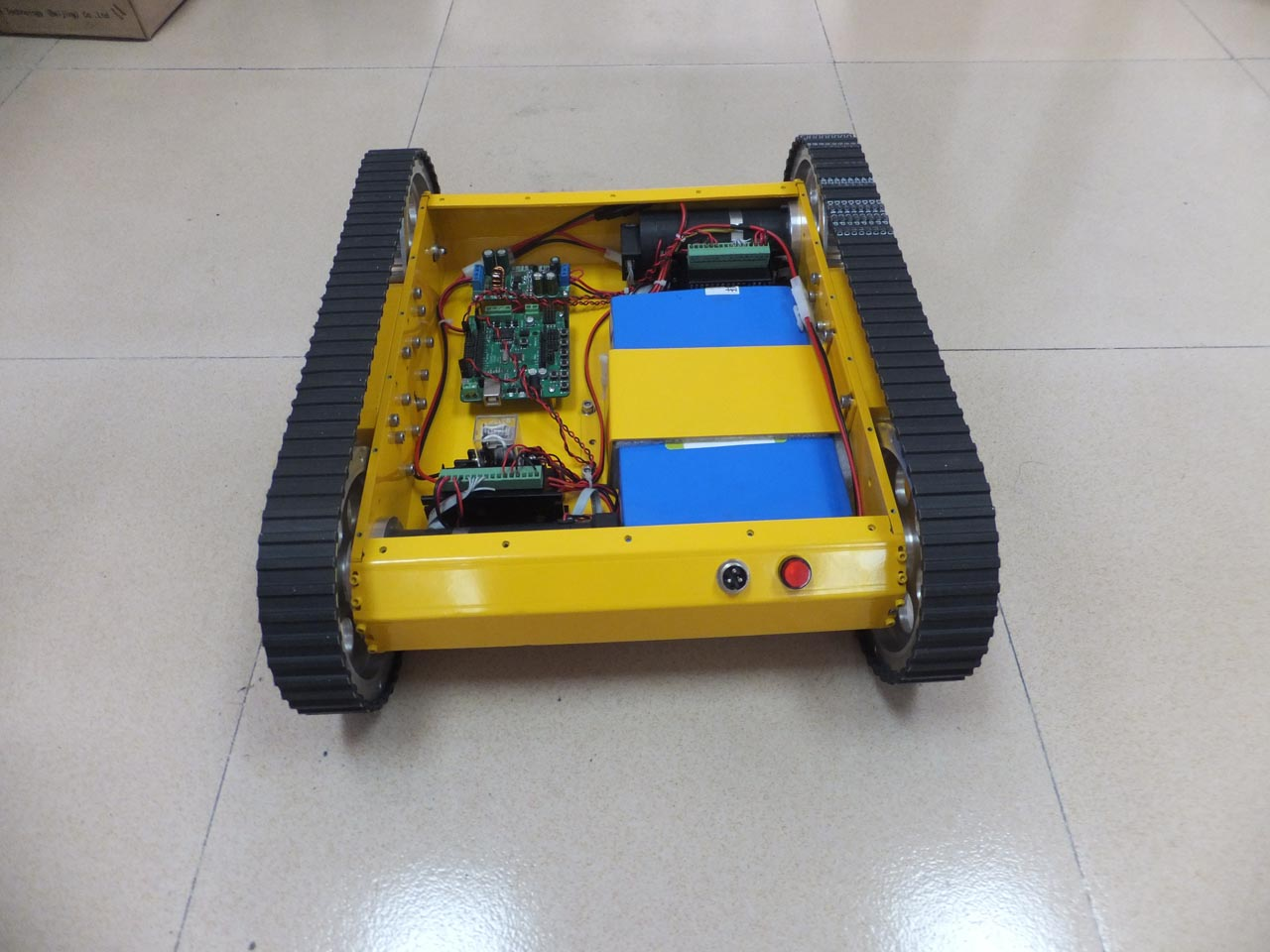Heavy-duty-tracked-mobile-robot-tank-kit-4